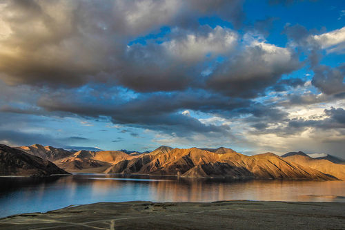LEH LADAKH JEEP SAFARI WITH TURTUK 6N/7D