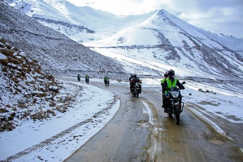 LEH-LADAKH MOTORBIKE EXPEDITION (MANALI-LEH-SRI